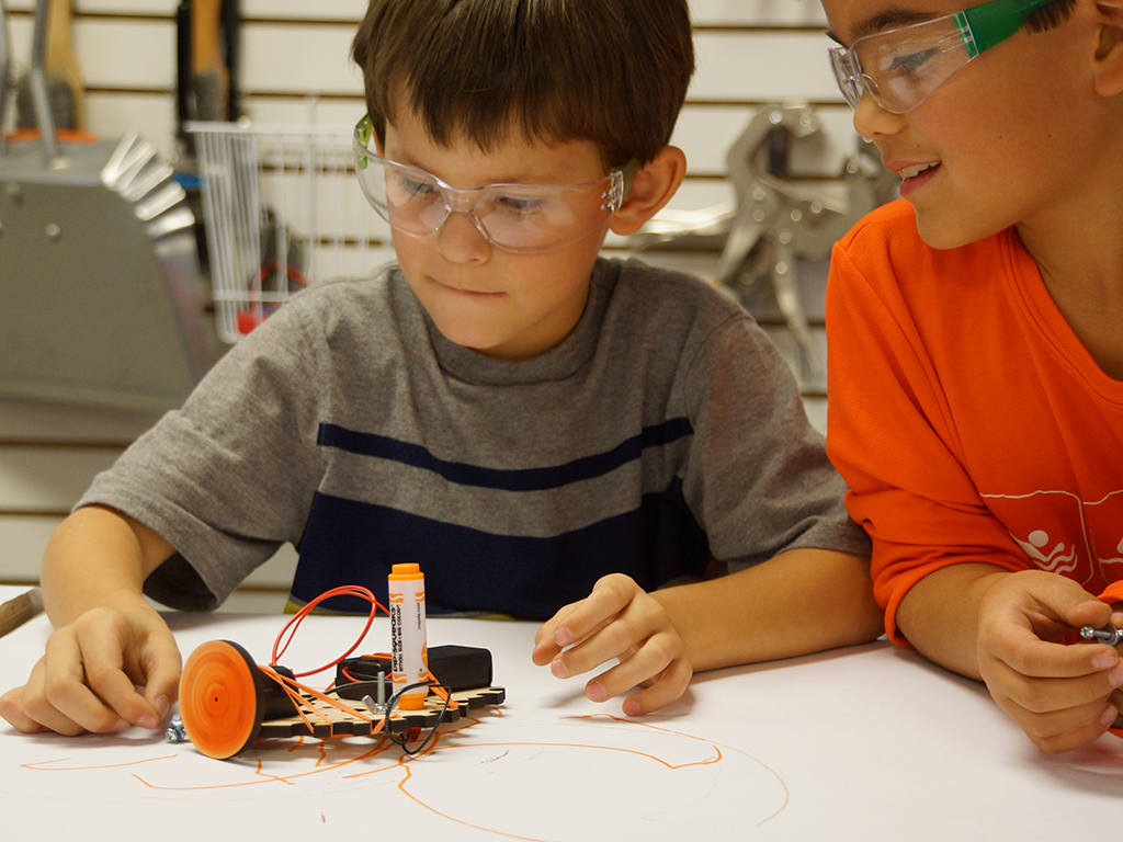 <small>Kids Tinkering Party</small>